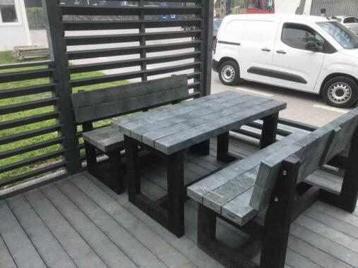 Stół i ławki