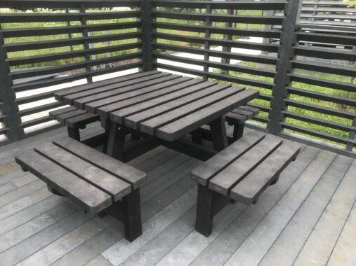 Stół czterostronny - kompozyt